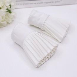 TWOTWINSTYLE frezowanie mankiet dla kobiet Ruffles plisowane białe ukryte piersi mankiety wiosna kobieta Vintage Fashion