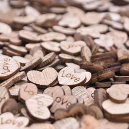 100 sztuk Mini drewniane Love Heart konfetti na stół weselny DIY akcesoria rzemieślnicze rustykalne wesele DIY dekoracje Favor S